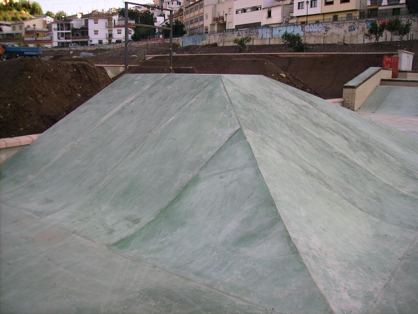 Skatepark bola de oro de granada for Piscina bola de oro granada